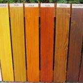 Vzorník barev na nátěr pískoviště.